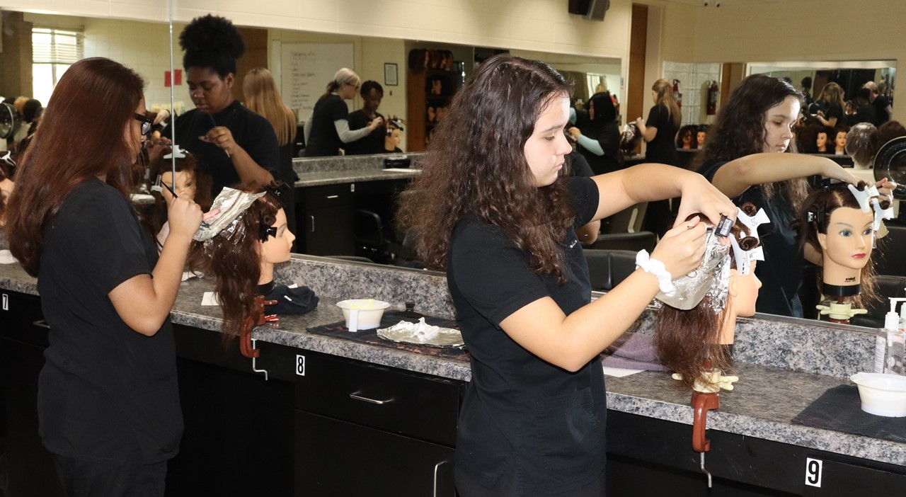 Cosmo Students Foiling Hair